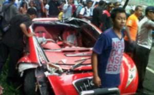 mobil dahlan iskan hancur