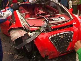 mobil ferrari dahlan iskan rusak